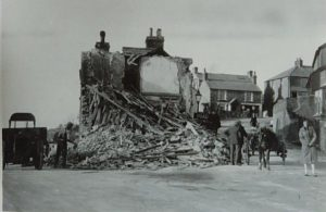 03 Demolition of 'Siop Ffon Tom' (T. Davies) Pen Tywyn c1927